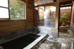 露天風呂(川側)
