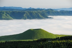 阿蘇/雲海と米塚